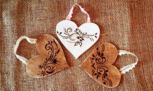 Vypalovany ornament na srdci